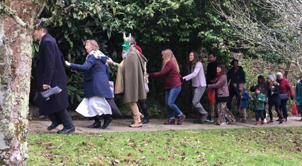 Rituals to bless apple trees